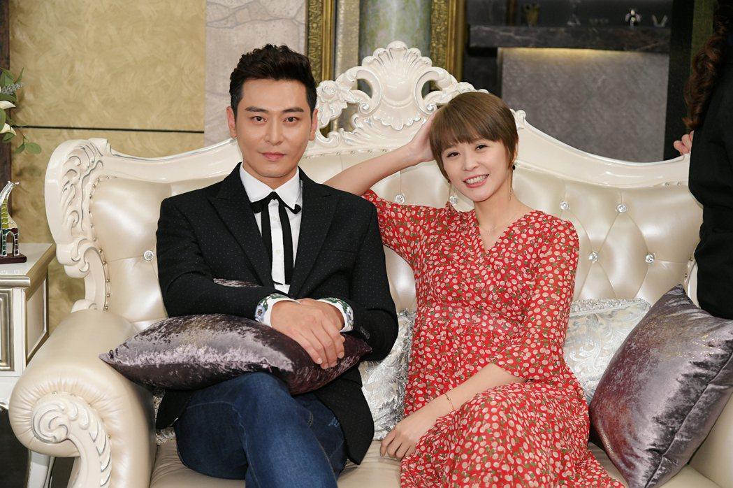 陳冠霖(左)和李燕是三立簽約藝人中業配前兩名。圖/三立提供
