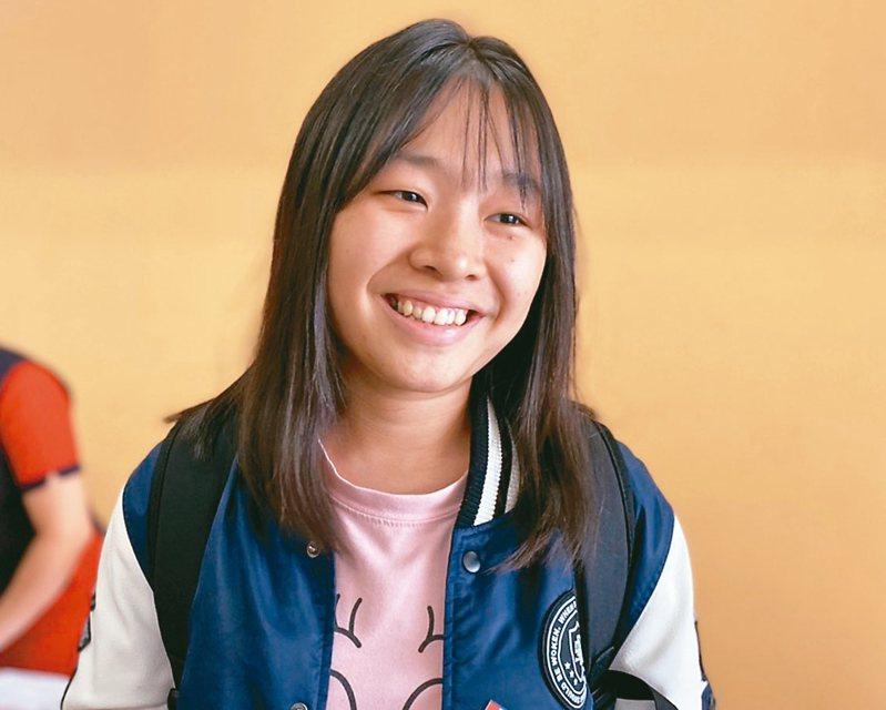蘇澳海事學校學生鄭翠玄出生在越南,2年多前來台依親家境困頓。但她逆境向上,錄取清華大學學院學士班。 圖/聯合報系資料照片