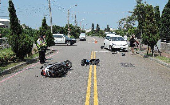 部分用路人對路權觀念不熟悉,無號誌路口車禍一再發生。 記者陳宏睿/翻攝
