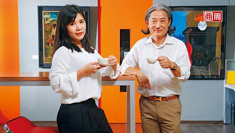 董事長周蔡鑫(右)自女兒周書如(左)接班後,大膽授權她創立新品牌。他說只要賠得起...