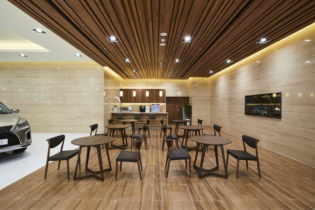 大安營業所以淺棕色木質基調營造明亮溫暖的氛圍。 圖/LEXUS提供