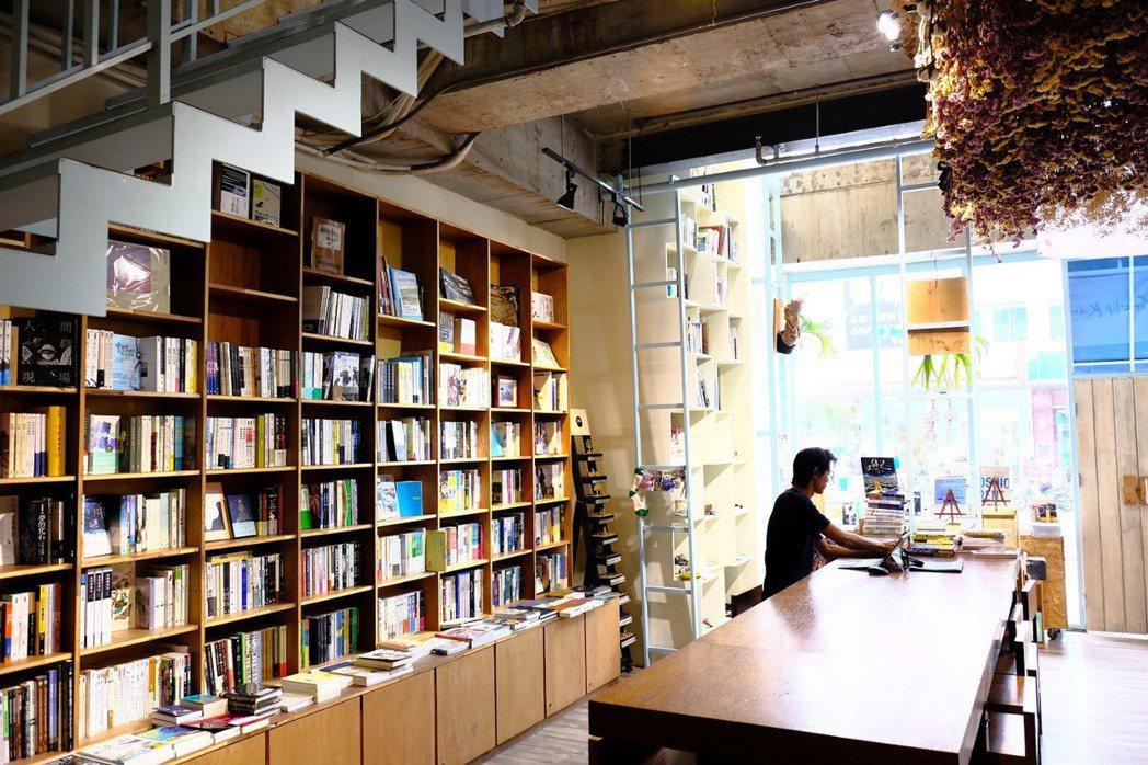 店內書籍種類非常豐富。 攝影/李宥辰