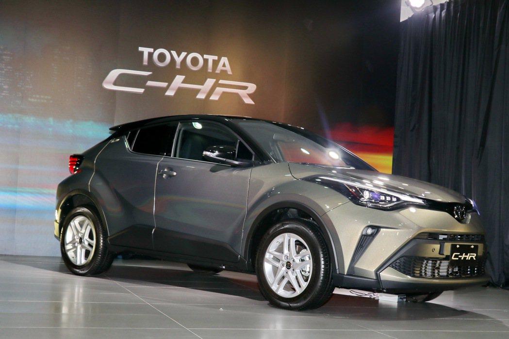 TOYOTA進口跨界休旅C-HR推出小改款車型。 記者陳威任/攝影
