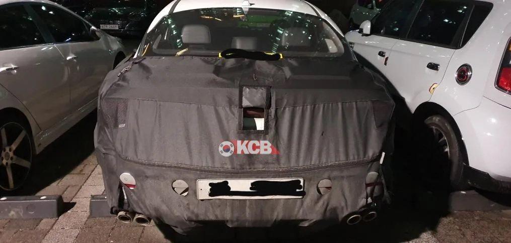 移似為Kia Optima/K5 GT的偽裝測試車。 摘自Korean Car ...