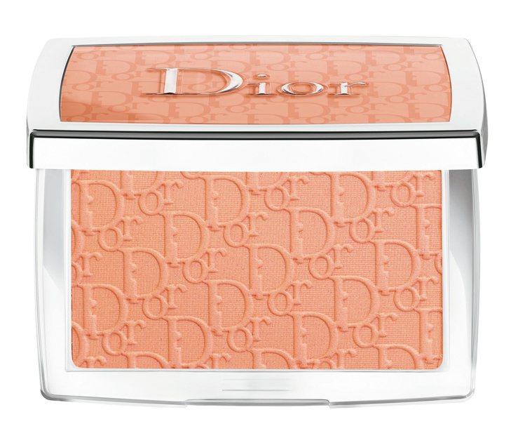 迪奧玫瑰粉頰彩 #004/1,500元。圖/迪奧提供