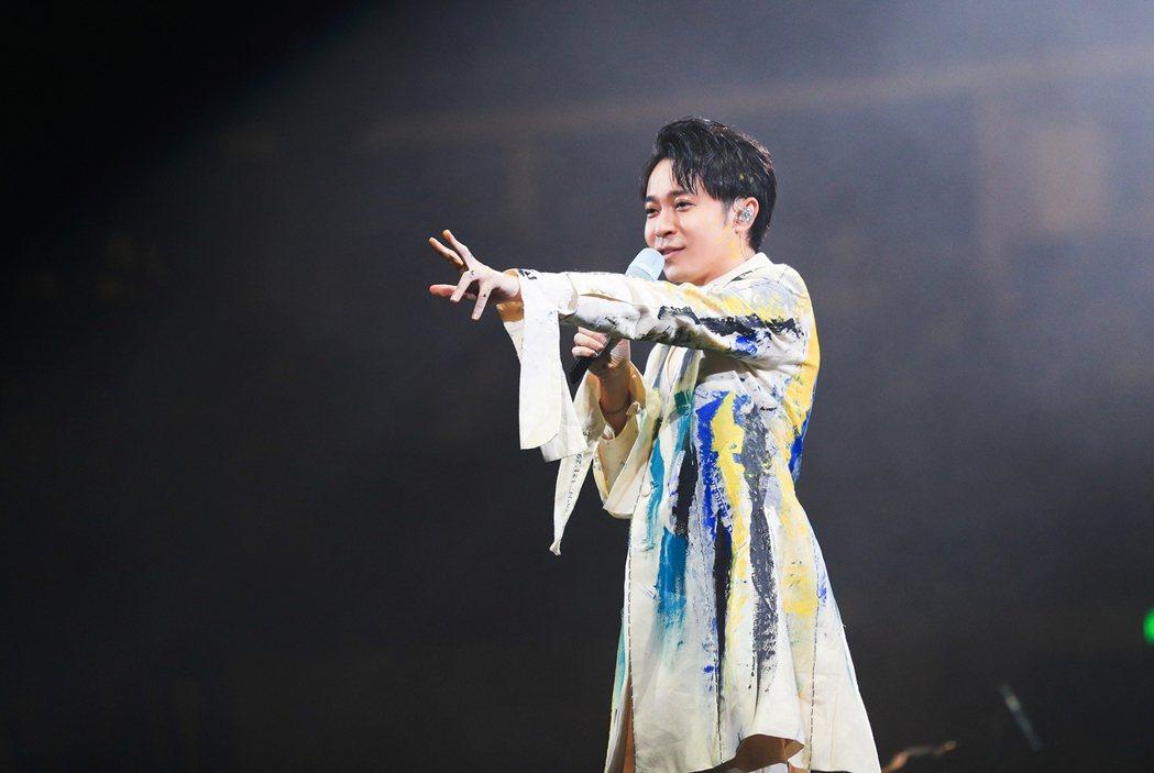 吳青峰近來投入於「太空備忘記」巡演。圖/環球提供