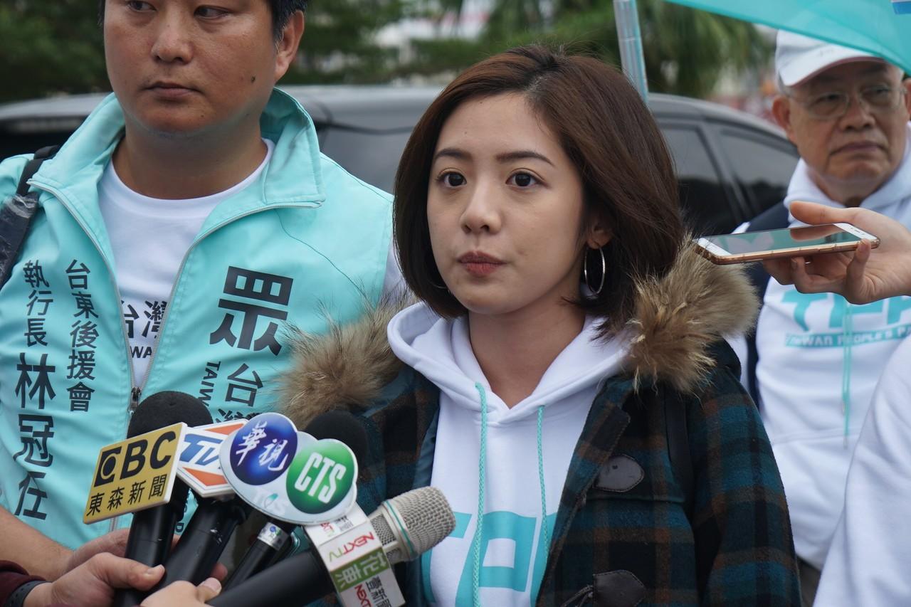 民眾黨獲佳績!「學姐」黃瀞瑩首曝動向 網喊:等妳喔