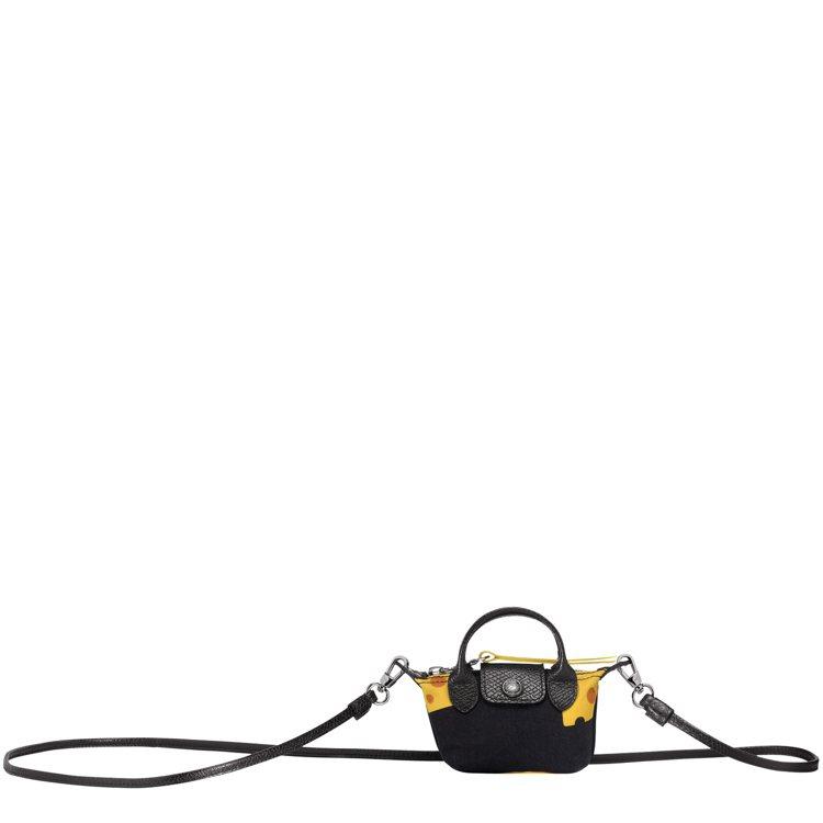 Le Nano Pliage帆布奈米手袋,售價4,200元。圖/LONGCHAM...