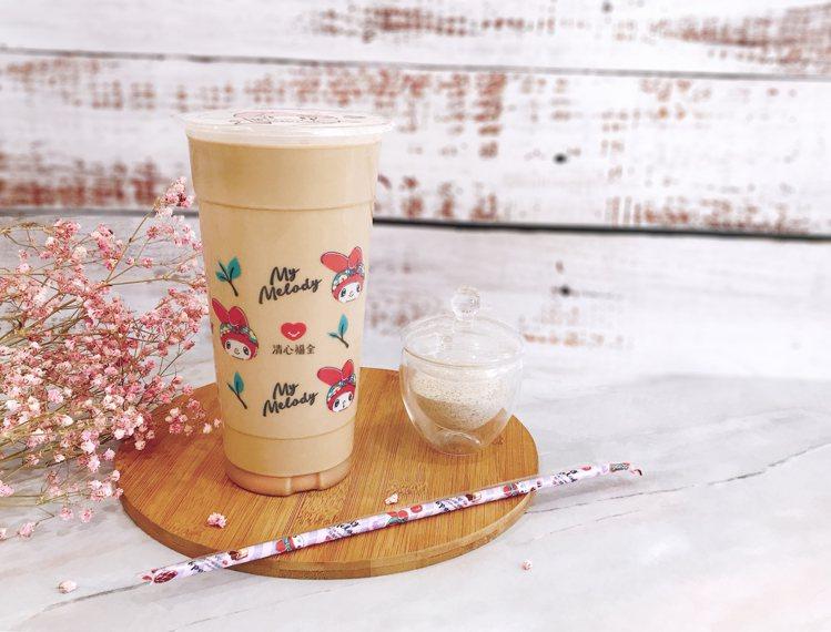 新品「太妃鴛鴦奶茶」混合錫蘭奶茶與咖啡製作。圖/清心福全提供
