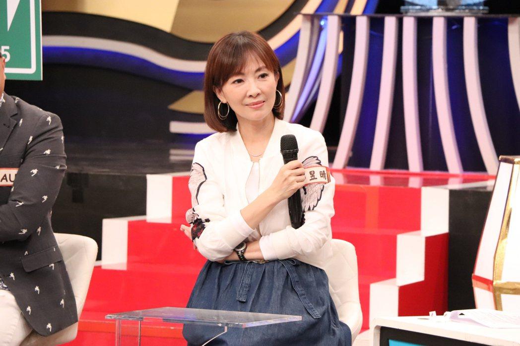 郭昱晴和老公是女大男小的姊弟戀,婚姻多年摸索出相處之道。圖/中天提供