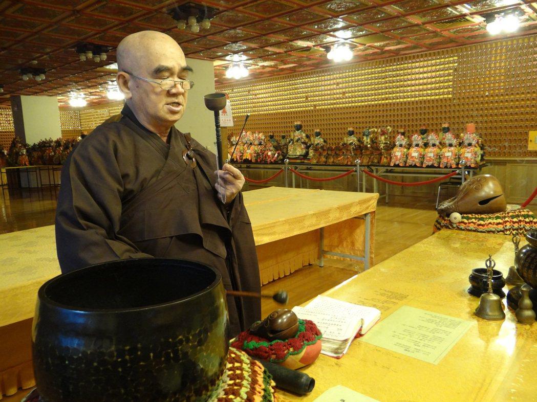 北港朝天宮設有專屬的媽祖燈殿,每天由住持誦經加持。記者蔡維斌/攝影