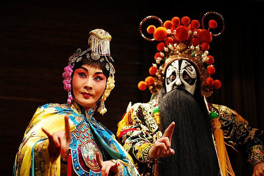 12月28日邀請當代傳奇劇場為特展揭開序幕展。 林本源園邸/提供