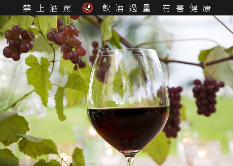 台灣消費市場喜愛較優質的葡萄酒。示意圖/ingimage 提供  ※ 提醒您...