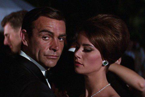 法國女星克勞汀奧格爾(Claudine Auger)逝世,享壽78歲。她最為國際觀眾熟知的作品,是1965年詹姆士龐德(James Bond)007系列電影「霹靂彈」(Thunderball)。法新...