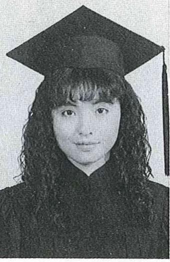 何如芸大學畢業照。 圖/擷自何如芸臉書