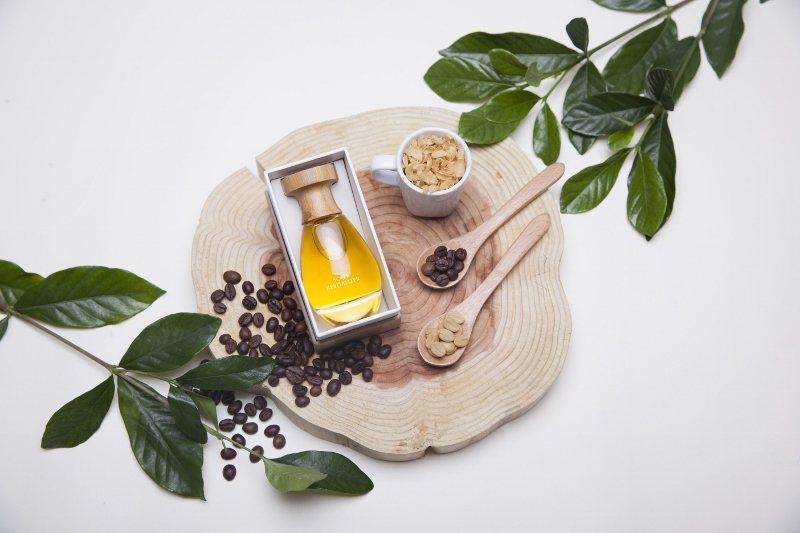 歐萊德獨家研發創新原料「天然咖啡因」及熱銷產品「咖啡因養髮液」,獲得美國官方天然...