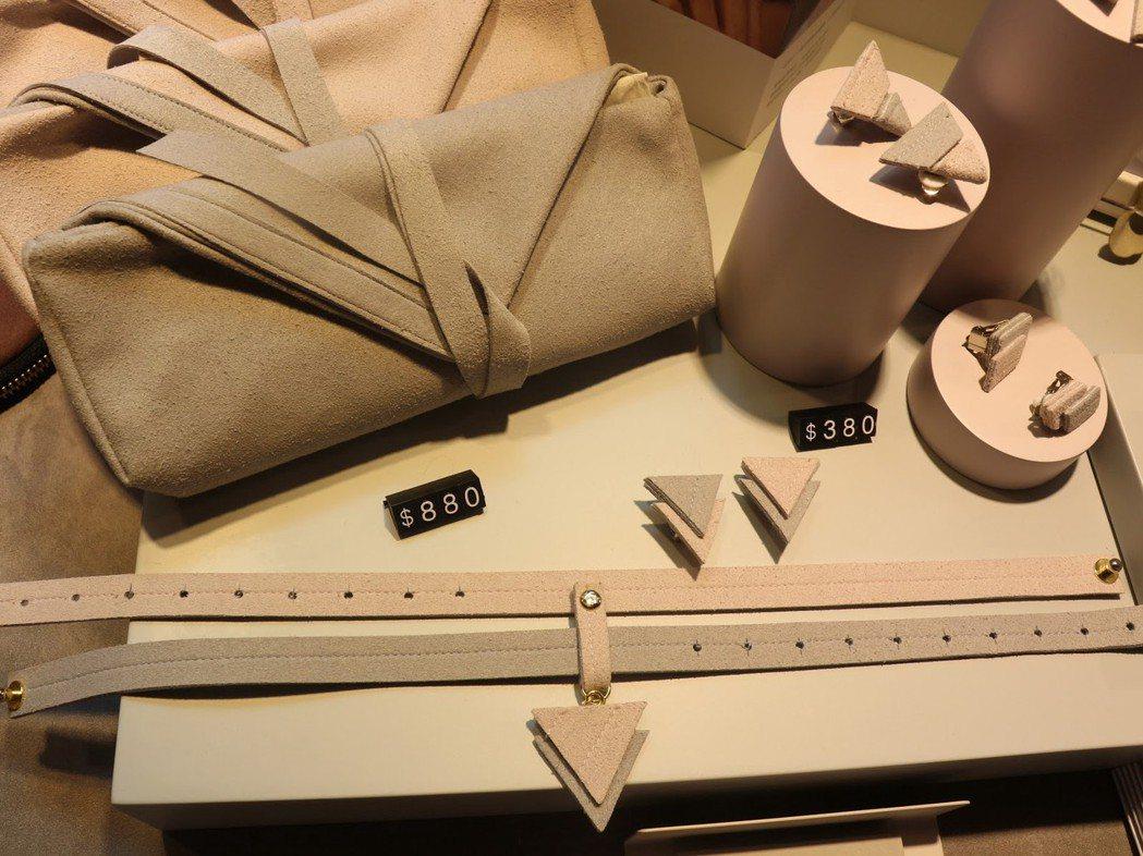 深、灰褐色等中性顏色,是VOOME的品牌風格。 圖/張湘妮攝影