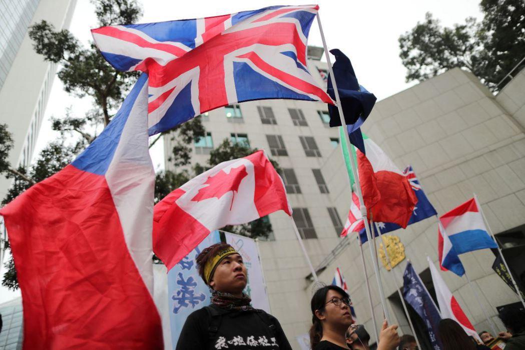 就技術以及局勢而言,英國實施「香港法案」以及英國版《馬格尼茨基法》易如反掌。 圖/路透社