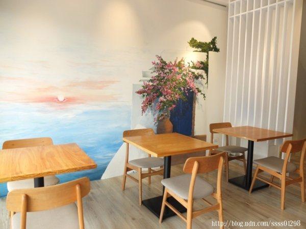 我個人很喜歡「努逗風味館(嘉義店)」的桌椅呈現出來的質感,視覺十分和諧