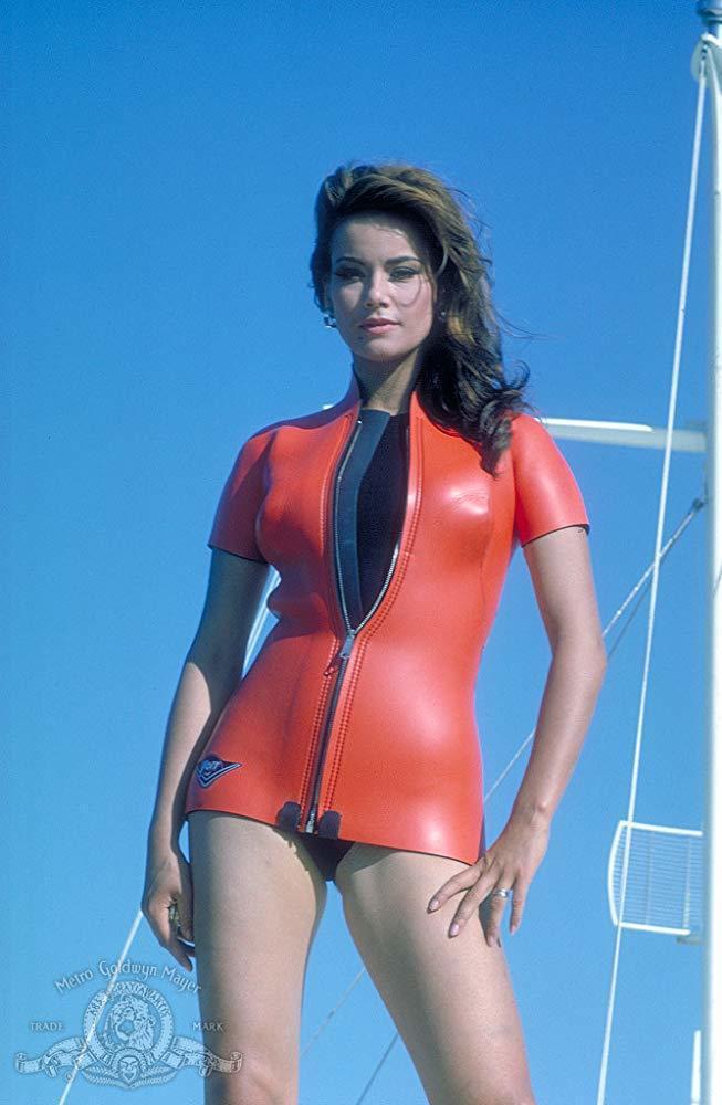 克勞汀奧嘉是首位擔任007電影女主角的法國影星。圖/摘自imdb
