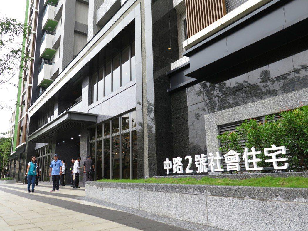 桃園市政府明年將在中路2號社宅的5樓辦公室打造桃園市社會住宅服務中心。圖/本報資...