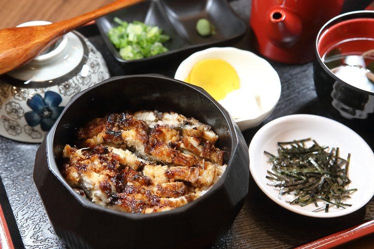 可品嚐到鰻魚三吃的鰻櫃套餐,340元起。記者陳睿中/攝影
