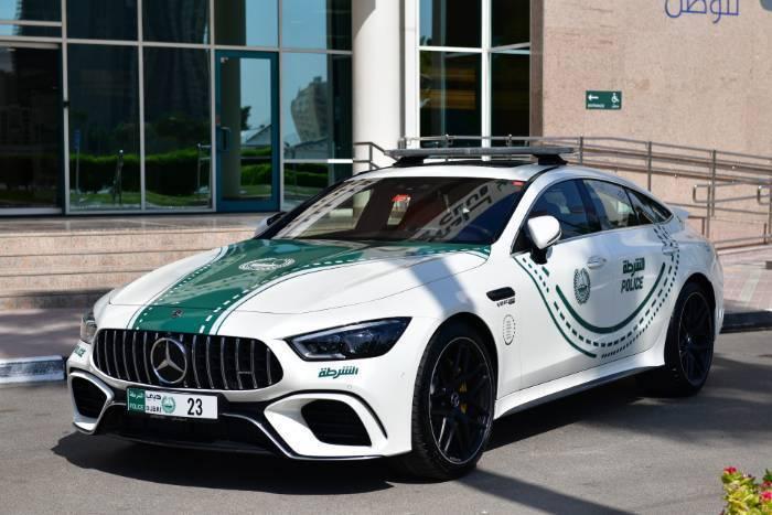 Mercedes-AMG GT 63 S搭載4.0升雙渦輪增壓AMG V8引擎,...