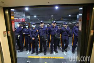 挺韓反韓高雄對決 警力高捷重兵部署
