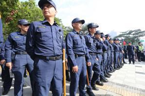 影/1221應變中心開設 保安警力進駐高雄