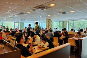 <u>罷韓</u>遊行/Wecare大遊行帶來人潮 文化中心附近便當、速食店塞爆