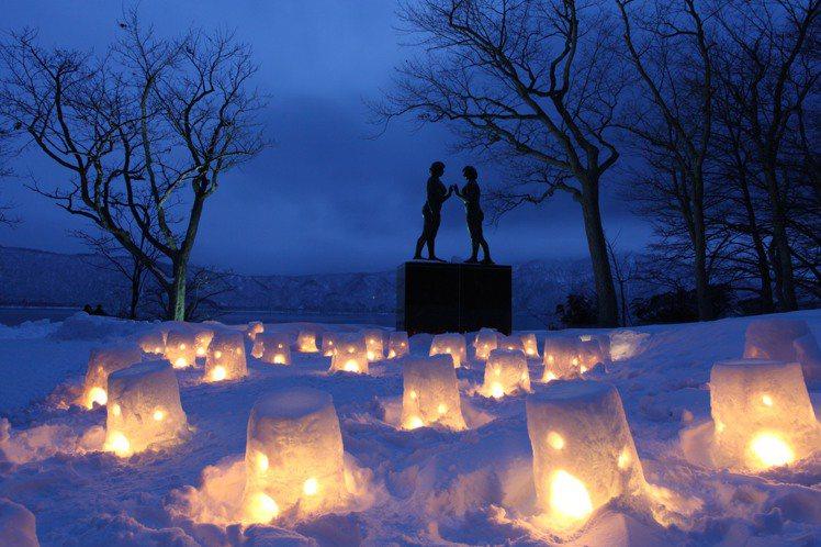 「十和田冬季物語」為每年於十和田湖所舉辦的冬季活動。圖/JR東日本提供