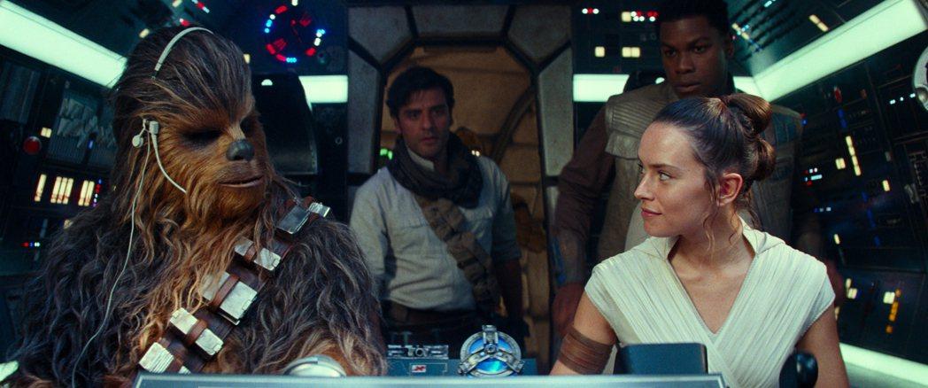 「Star Wars:天行者的崛起」美國票房再登冠軍,華人地區反應明顯冷淡許多。...
