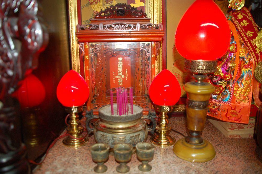 許多寺廟提供祖先牌位終身存放的服務。圖/聯合報系資料照片