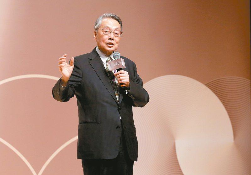 宏碁創辦人施振榮身為台灣品牌教父,近年陸續創立新組織,跨入醫療、文創產業,施振榮自嘲,今(2019)年已邁入75歲,創下台灣最老的創業者紀錄。 圖/聯合報系資料照片