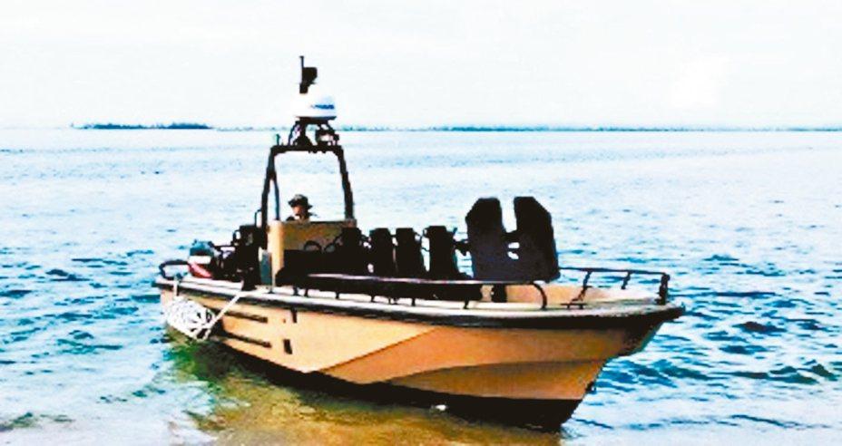 海軍陸戰隊特勤中隊將採購18艘突擊艇。圖為罡旻企業生產性能接近的KM25特勤快艇。 圖/KARMIN官網