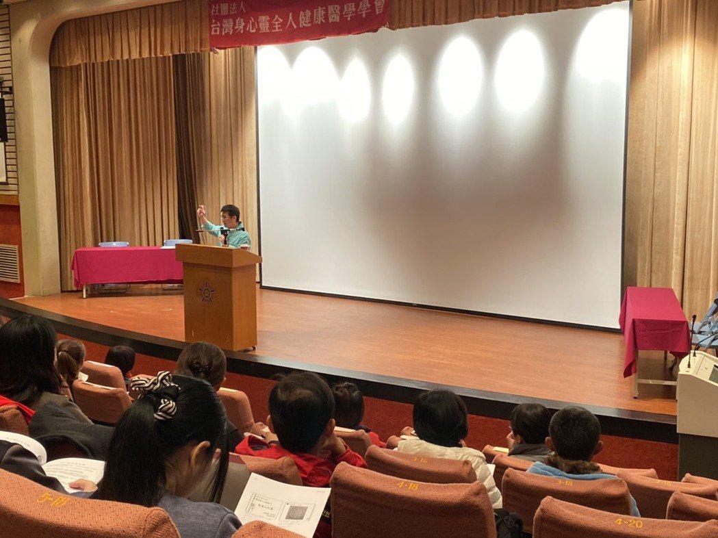 台灣身心靈全人健康醫學會常務理事許添盛表示,生死大事是人終其一生都會面對的課題。...