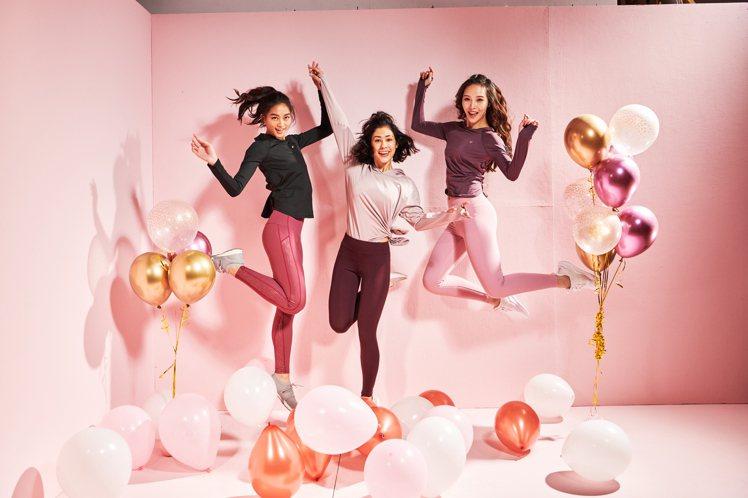 「大勢紅藜」系列以最能襯托東方女性膚色的深、淺粉色調為主軸,並加上閃亮細節元素注...