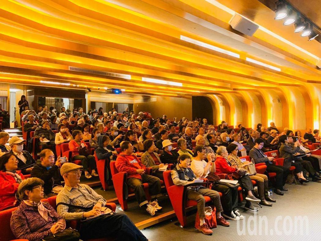 「癬中求勝」講座中,許多乾癬病友前來。記者季相儒/攝影