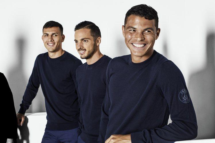 BOSS替歐冠盃勁旅巴黎聖日耳曼隊,打造冠軍球隊造型,帥氣程度堪比男子偶像團體。...