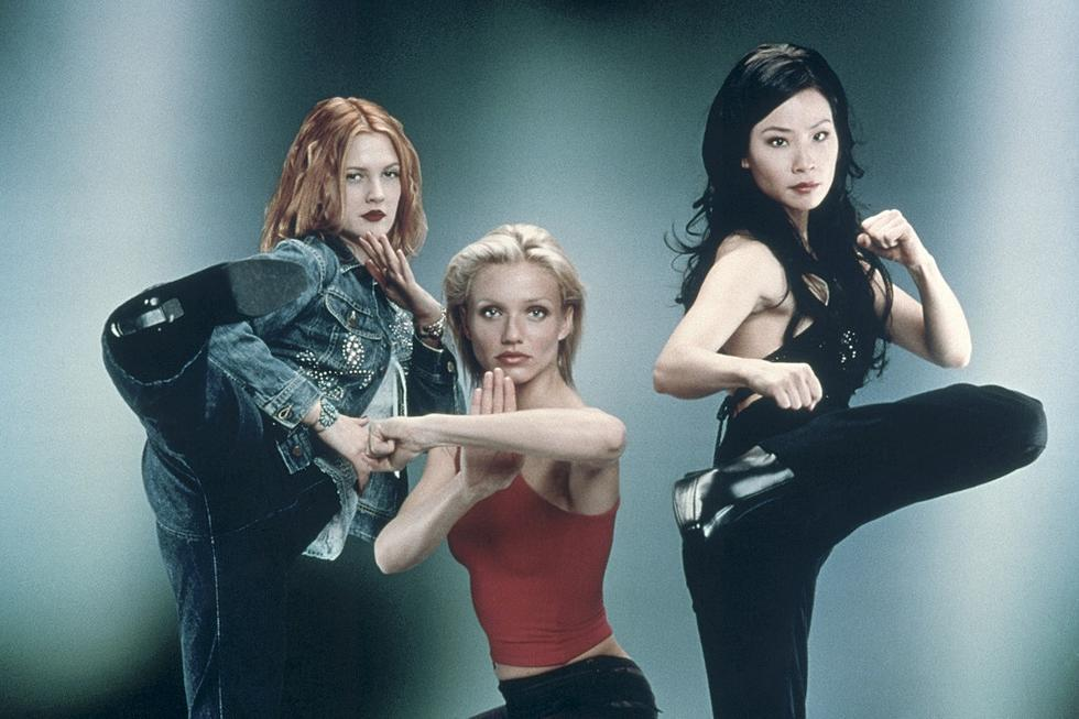 茱兒芭莉摩 (左起)、卡麥蓉狄亞、劉玉玲的電影版「霹靂嬌娃」加入了東方武術元素。...