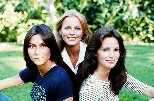 凱蒂傑克森(左起)、雪莉賴德、賈桂琳史密斯是第2代「霹靂嬌娃」組合。圖/摘自im...