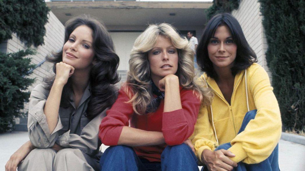 賈桂琳史密斯(左起)、法拉佛西、凱蒂傑克森是最元祖的「霹靂嬌娃」經典班底。圖/摘...