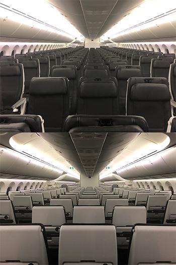 ZIPAIR Tokyo公開飛機內裝,整體看過去,黑白色調搭配相當精鍊,座位椅背...