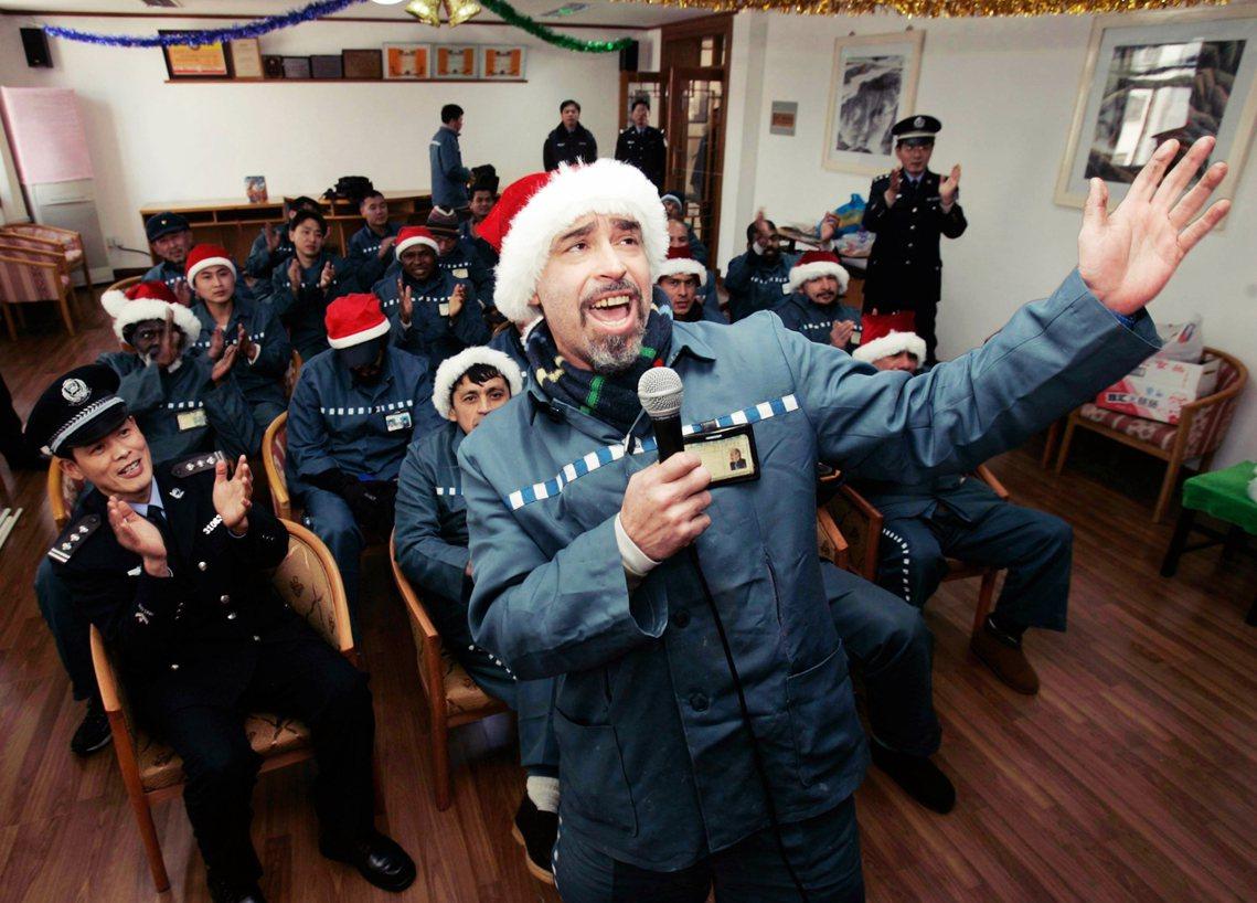 圖為2005年,上海青浦監獄外籍囚犯的耶誕活動。 圖/路透社