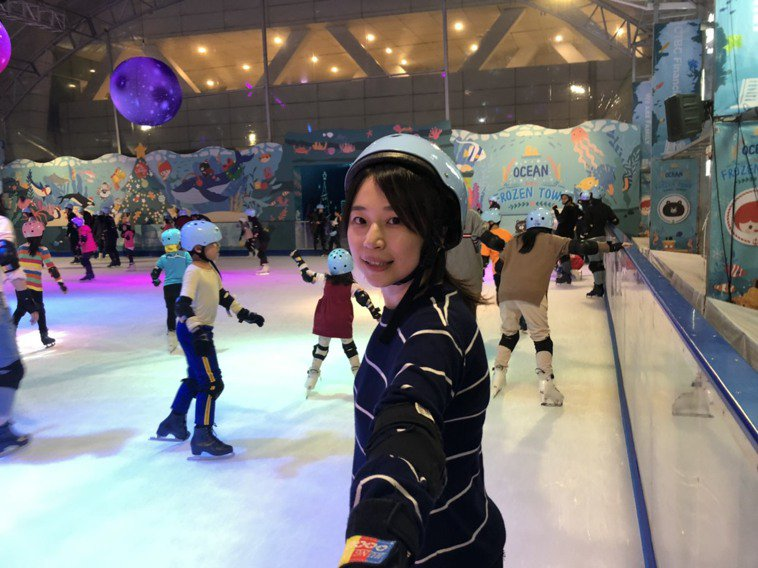 南港中信戶外滑冰場。