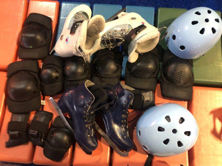 冰鞋及全套護具。