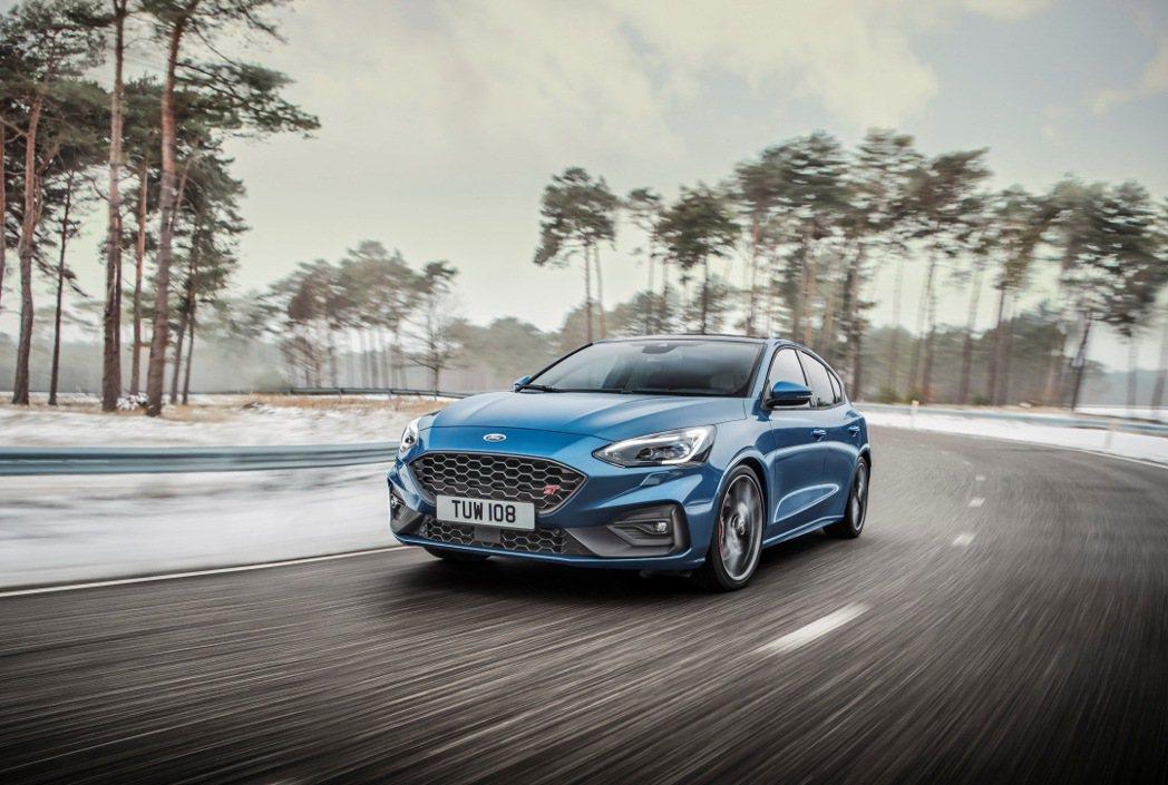 德國原裝進口的New Ford Focus ST也因受停工影響將延後交期。 圖/...