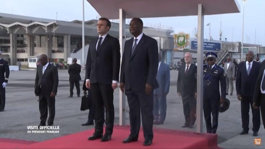 法國總統馬克宏(圖左)希望法國能和非洲諸國建立友好的夥伴關係,而不是藉由殖民時期...