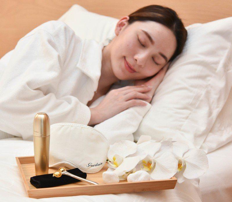 側睡容易引發睡紋,該怎麼避免呢?圖/嬌蘭提供
