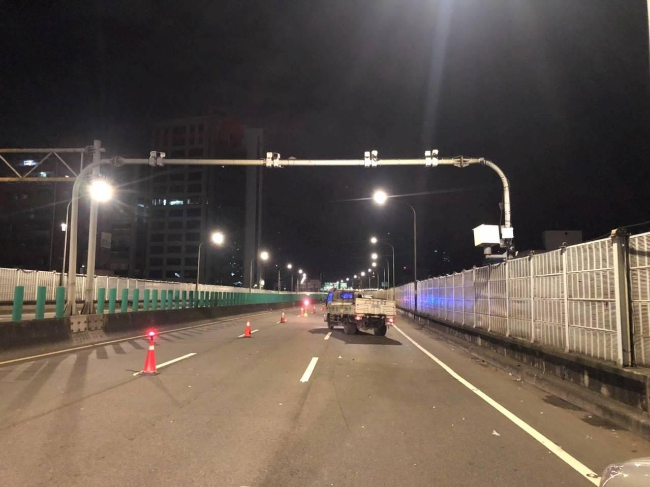 台北市市民高架道路將從明年元旦起,啟動道路科技執法。圖/北市交通警察大隊提供
